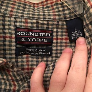 Roundtree and York Mens Plaid Size L